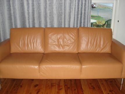 Authentic Italian Leather SOFA 90mm (W) x 220mm (L) Regents Park Auburn Area Preview