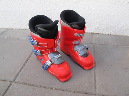 Kids Salomon ski boots– $25