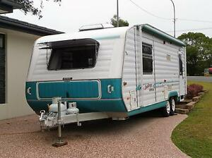 2000 Golf caravan Torquay Fraser Coast Preview