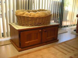 Luxurious Cat Basket, on Floor Cabinet with 2 doors. Suits 2 cats Bonnells Bay Lake Macquarie Area Preview