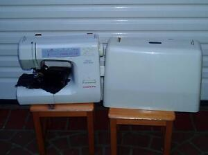 Janome Decor Excell II 5024 sewing machine nerly brand new. Greystanes Parramatta Area Preview