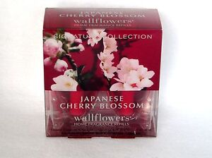 Bath & Body Works Refill Wallflowers 2  Bulbs U PICK~