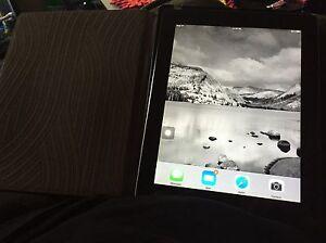 iPad 2 16 bg. $140