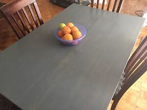 Dining table and 4 chairs Oakville / Halton Region Toronto (GTA) image 1