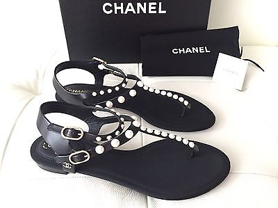 2016 CHANEL BLACK LEATHER FLAT SANDALS WITH PEARLS SIZE 38