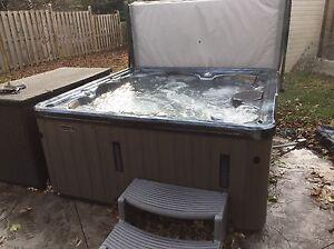 2 year old hot tub seats 5-6