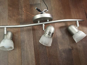 Luminaire à 3 ampoules
