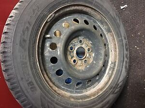 Winter tires 195/65R15 on Rims / Pnues d'hiver pose sir jantes