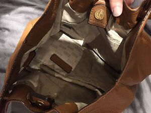 AUTHENTIC MICHEAL KORS HAND BAG London Ontario image 4