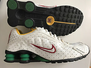 Nike shox running shoe collectors edition 2005 R4 London Ontario image 1
