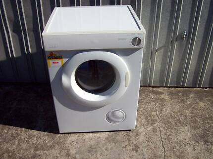 Cloths dryer fisher &; paykel double action sensor dryer as new