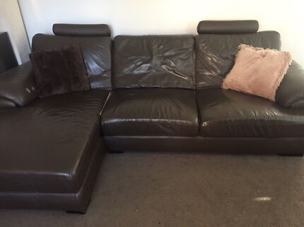 BROWN LEATHER CHAISE SOFA (Can Delivery)