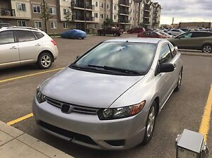 2006 Honda Civic,coupe,Rear view camera,after market DVD!!