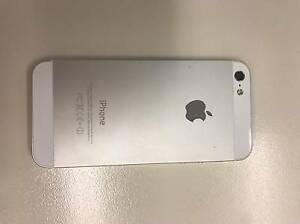 Apple iPhone 5-16GB- UNLOCKED White & Silver Phone Collingwood Yarra Area Preview