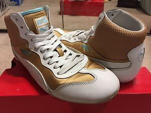 PUMA gold satin sneakers - size 7.5