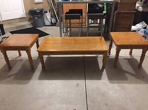 Coffee Table and End Tables In Excellent Condition! Windsor Region Ontario image 1