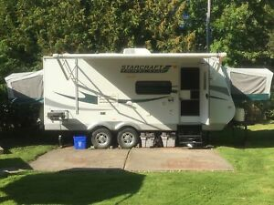 Hybrid Travel Trailer with large tip out