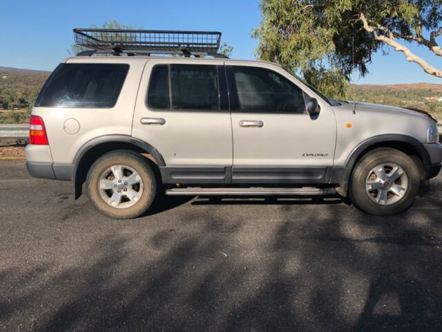 2003 Ford Explorer Xlt Automatic Suv 5700 Obo Cars