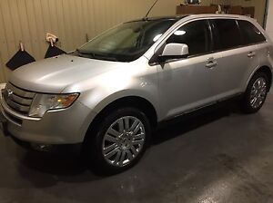 2010 Ford Edge Limited AWD - clean/leather/roof