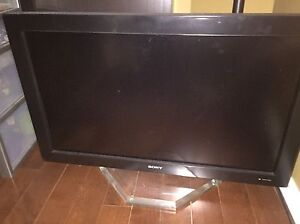 Sony widescreen '32 inch monitor -$150 priced to sell!