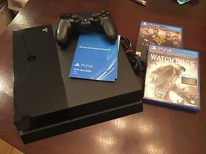 PS4 great condition in box + 2 games