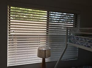 Used White Venetian Blinds Merewether Newcastle Area Preview
