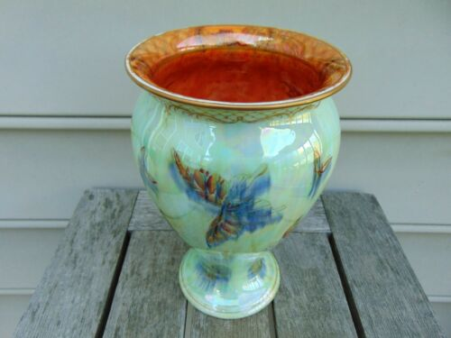 "Wedgwood Fairyland Lustre and Gold Printed Flying Butterflies 8.5"" Vase - c 1914"