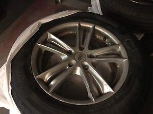 235/65/18 pneus d'hiver avec mags 5x130