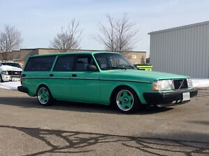 Volvo 240 trim wanted
