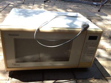 Microwave Panasonic Genius - white