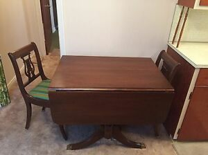 Duncan Fyfe dining table and 4 harp back