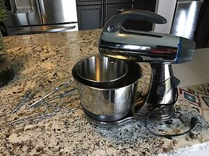 Sunbeam master mixer almost new