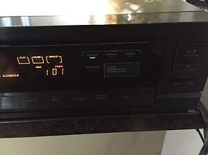 VC XL-M300 6 Disc CD Changer Edmonton Edmonton Area image 3