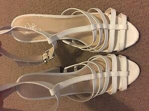 Witner white strapy heals size 9 Parrearra Maroochydore Area Preview