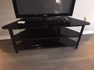 Beautiful 3 Level Glass Tv Stand - Holds Up To A 70 Inch TV