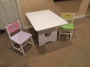 Kids Room Table & Chairs
