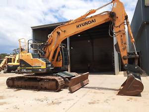 Hyundai R235LCR-9 Excavator Archerfield Brisbane South West Preview