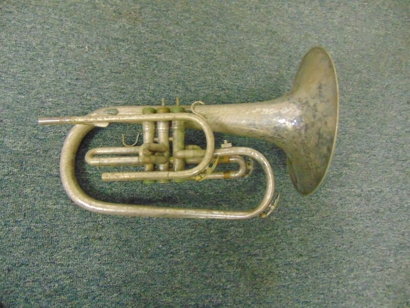 King 1120 Marching Horn