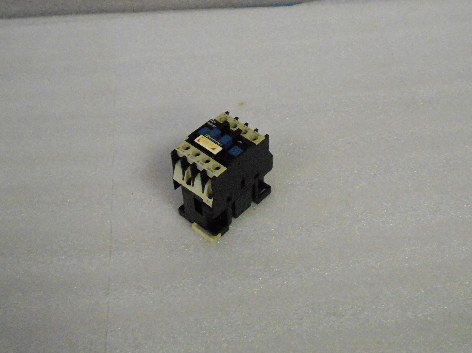 Telemecanique Contactor, LC1 D09 01, LD0901, 100V Coil, Used, WARRANTY
