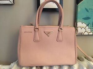 Prada (fake) Handbag London Ontario image 2