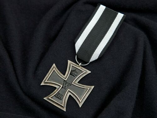 WWI German Iron Cross 2nd Class, Maker Marked on suspension ring