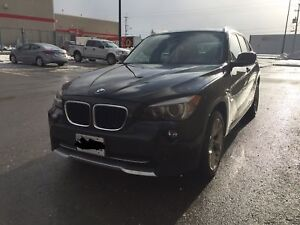 2012 BMW X1 - Sports Package with NAVIGATION and PANORAMIC ROOF
