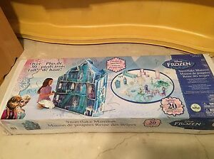 Disney frozen mansion BNIB