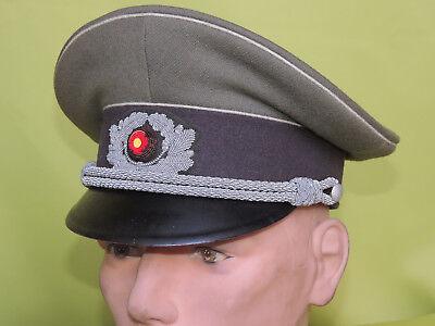 Frühe NVA Schirmmütze für Offiziere 1960 - Gestickte Effekten