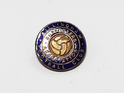GILLINGHAM FC - VINTAGE ENAMEL SUPPORTERS ASSOCIATION CREST BADGE.