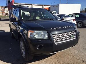 2010 Land Rover LR2 HSE/ Leather Seats/ Pano sunroof