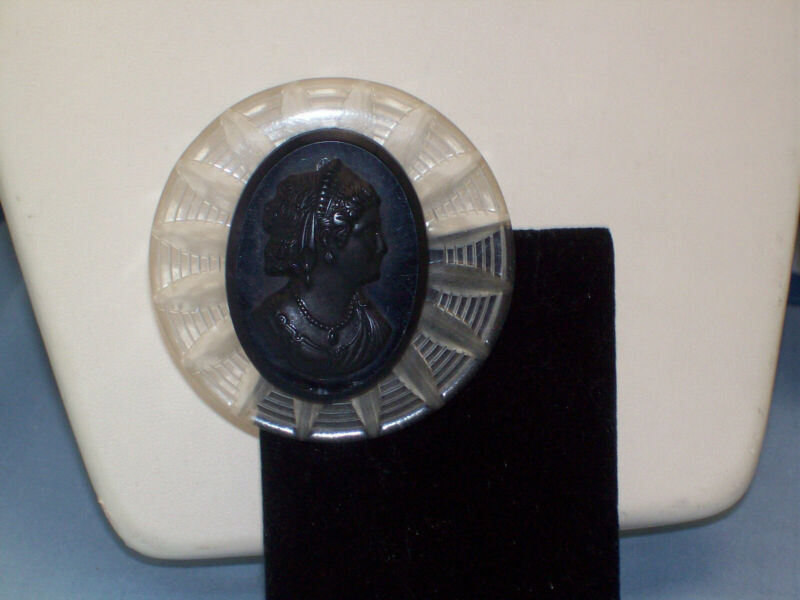 Vintage Carved Clear Lucite Black Cameo Round Brooch