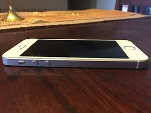 iPhone 5s 16gb Bell Sarnia Sarnia Area image 3