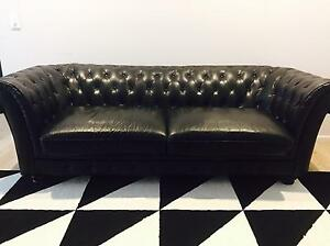 Black Leather 2.5 Seat Chesterfield Sofa Fitzgibbon Brisbane North East Preview