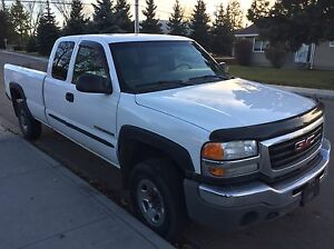 2005 GMC Sierra 3/4 ton extended cab long box in great cond